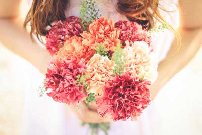 女の子 きれいな花束